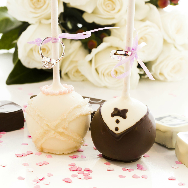 Bride And Groom Wedding Cake Pops Yumbles Com