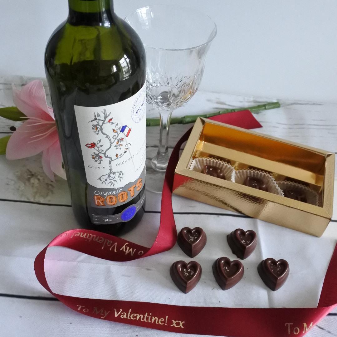 Vegan Organic Vanilla Chocolate Hearts White Wine Gift Box Soya Gluten Free