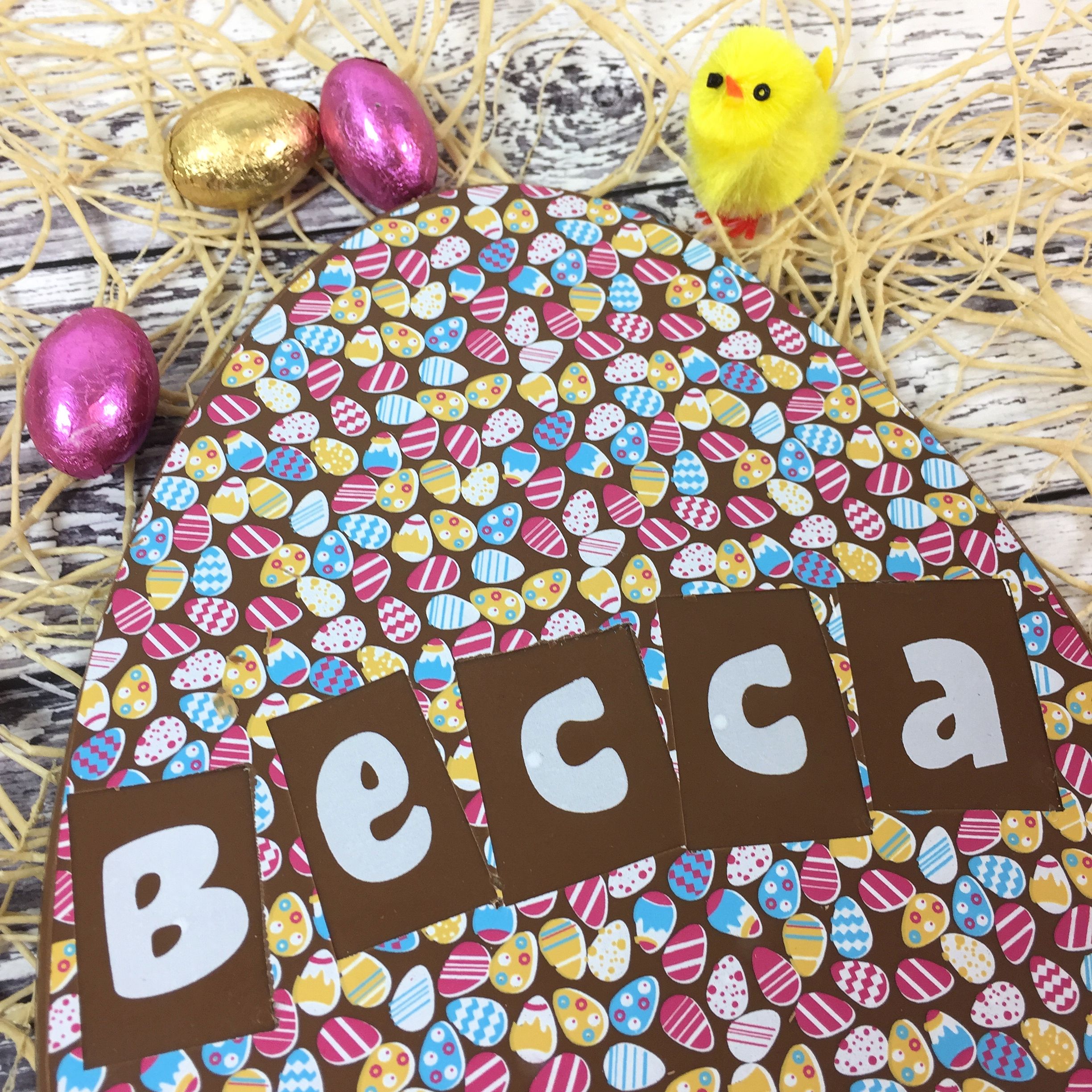 Large Milk Chocolate Egg With Easter Egg Design Yumbles Com