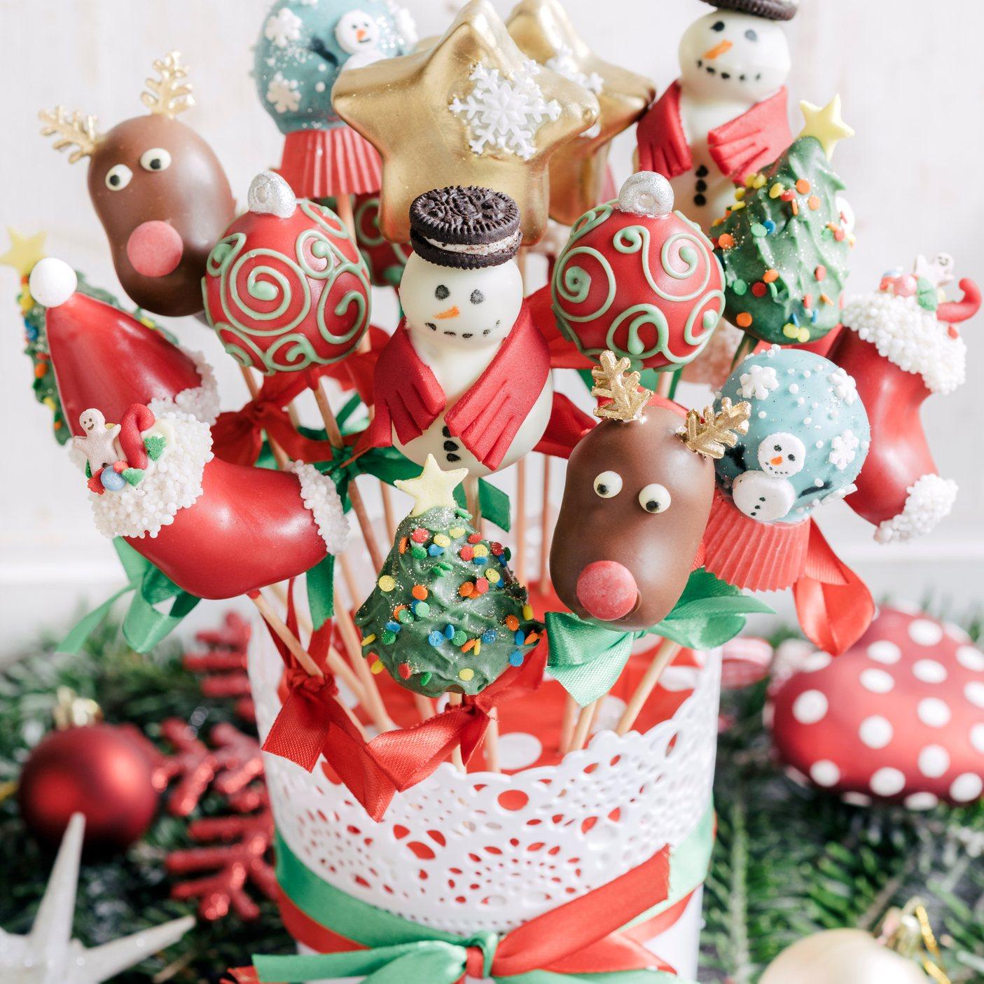 Christmas Cake Pops.Christmas Cake Pops Bouquet