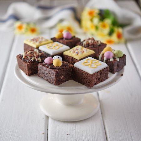 EASTER CAKES & BROWNIES