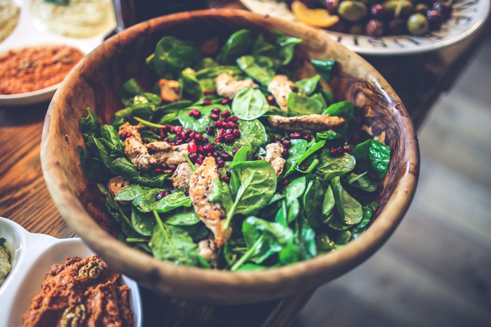 5 Ways You're Ruining Your Salad