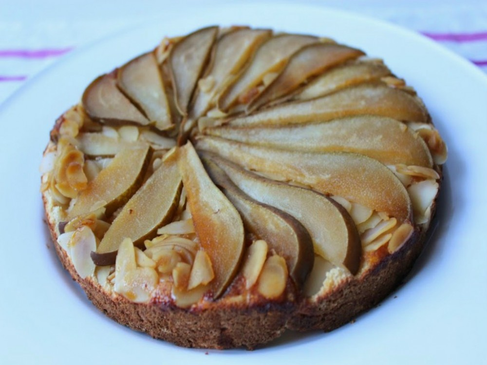 Clean Pear, Almond & Ginger Cake