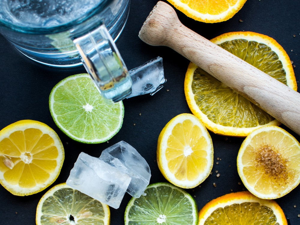 Six Benefits of Drinking Lemon Water