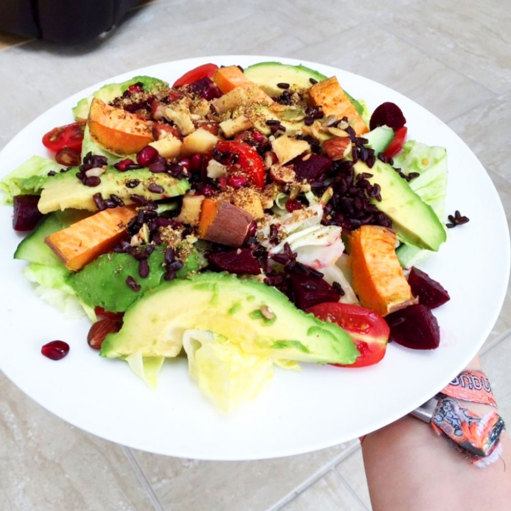 5 Superfoods to Include in Your Salad
