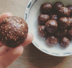 Energising Cacao and Maca Bites