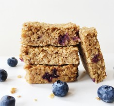Healthy Vegan Blueberry & Banana Flapjacks