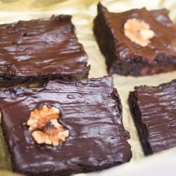 Vegan Mixed Brownies Box (Walnut & Classic Brownies)