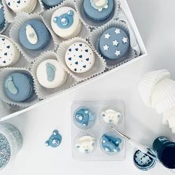 Blue Baby Shower Macarons (12 Macarons)