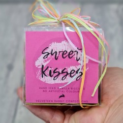 Sweet Kisses - Hand-Iced Vanilla Biscuits - 15 pieces (minis)
