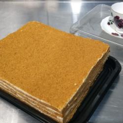 Medovic - Russian Honey Cake (un-cut 16 pieces)