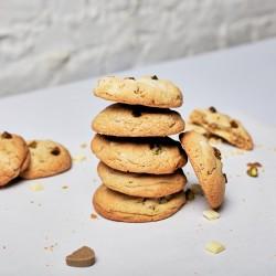 Blond Chocolate Pistachio and Cardamom Cookie Kit