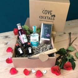 Cove Cocktails Cosmopolitan & Chocolate Gift Box