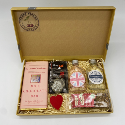 Sweetheart Gift Hamper with Chocolate and Gin