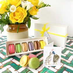 The Classics Macaron Selection Box