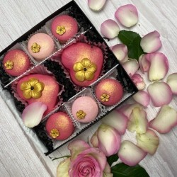 Pink-Gold Heart Macaron Gift Box for Mother's Day