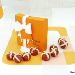 Marzipan Hot Cross Buns Novelty Easter Cake Topper Decoration