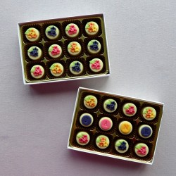 White Chocolate Fruity Fondants - Personalised chocolates filled with peach, blackcurrant and raspberry