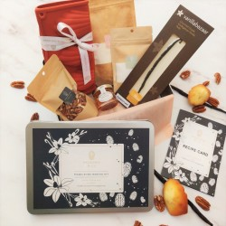 Vanilla and pecans madeleines kit in a gift box