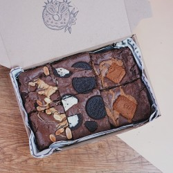 Mixed Vegan Brownies - Box of 6
