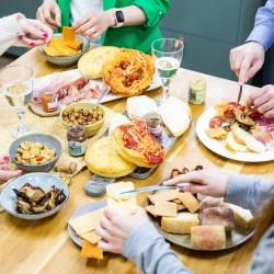 L'Aperidinner Italian Cheese & Charcuterie - Medium Box