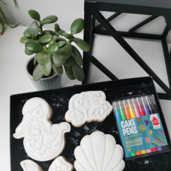 Kids Colour In Iced Biscuit Gift Box