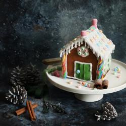 DIY Gingerbread House Baking Kit (vegan)