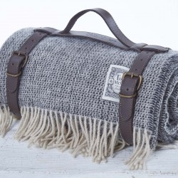 Luxury Wool Picnic Rug - Humbug