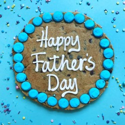Happy Fathers Day Giant Chocolate Chip Cookie (Personalisation Available)