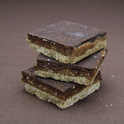 6 Organic Raw Caramel Slices