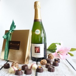 Personalised Luxury Organic Chocolate & Champagne Gift Box (Soya & Gluten Free)