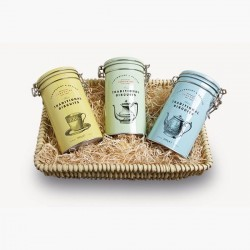 The Reeth Wicker Tray - Traditional Biscuit Gift Set