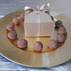 Raw Chocolate Cinnamon, Orange and Cranberry Truffles