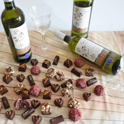 3 Vegan Assorted Organic Chocolate & White Wine Hamper Box (Soya & Gluten Free)