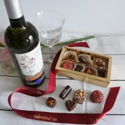 Vegan Assorted Organic Chocolate & White Wine Gift Box (Soya & Gluten Free)