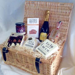 For the Lovers - Valentine's Day Cheese Hamper