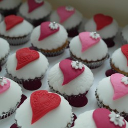 Embossed Heart Cupcake Gift box