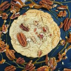 Salted Caramel and Pecan Cookies Box