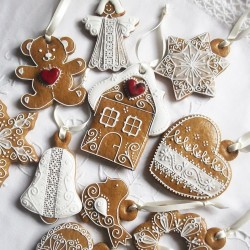 Classic Gingerbread Hanging Decorations Mix & Match