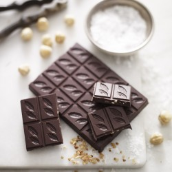 3 Bars of Caramelised Hazelnuts & Sea Salt Dark Chocolate 70%