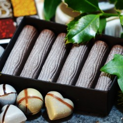 Purity Praline Milk Chocolate Logs