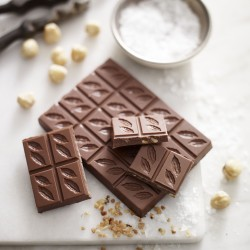 Caramelised Hazelnut & Sea Salt Milk Chocolate 41% (3 bars)
