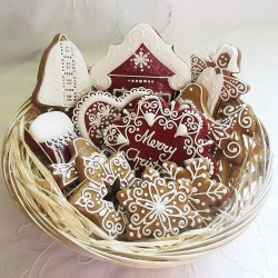 Classic Gingerbread Christmas Biscuit Hamper