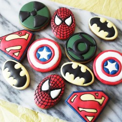 10 Superhero Cookies - Party Favours