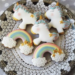 Unicorn and Rainbow Gingerbread Cookies (10 Biscuits)