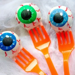 Ghoulish Eyeball Cake Pops