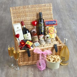 Mr & Mrs Deluxe Wedding Hamper