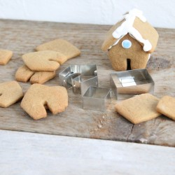Mini Gingerbread House Cutter (Mug Hanger)