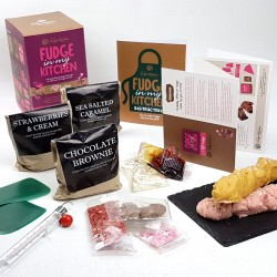 Gluten free gifts uk yumbles love fudge make at home kit negle Image collections