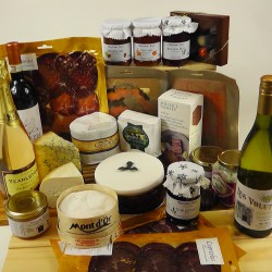 Ultimate Christmas Hamper with tasting notes